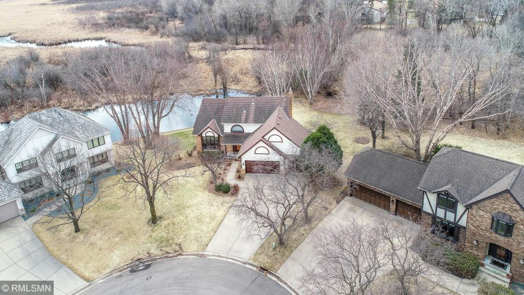 878 Scenic Court, Shoreview in Ramsey County, MN 55126 Home for Sale