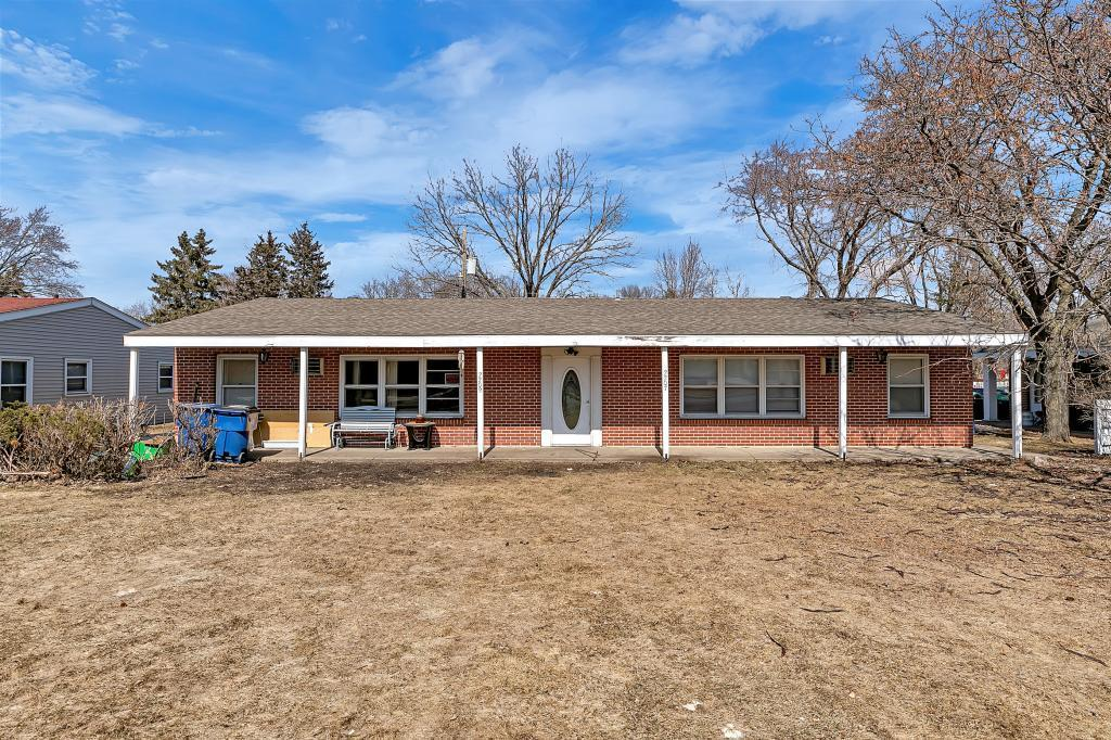 2207 & 2209 Veterans Drive N, St Cloud in Stearns County, MN 56303 Home for Sale