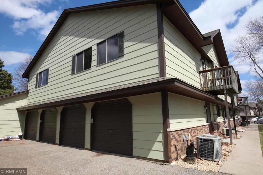 13525 Zenith Lane, Eden Prairie, Minnesota