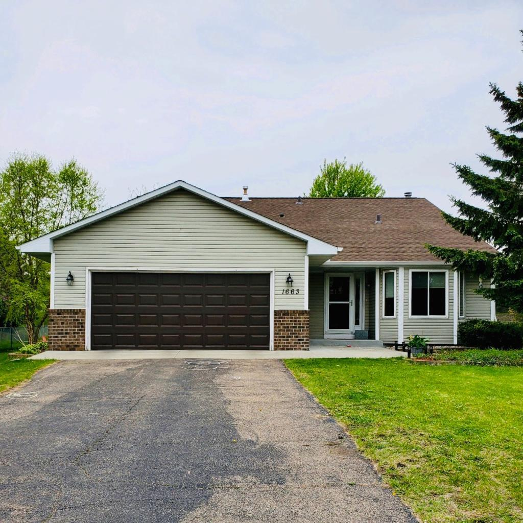 1663 Sage Lane, Shakopee, Minnesota