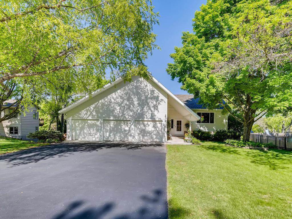 9025 Cavell Circle, Bloomington, Minnesota