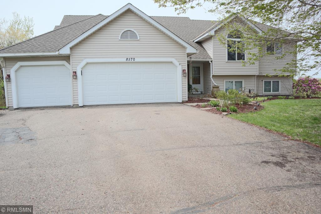 8570 Tern Court, Chanhassen, Minnesota