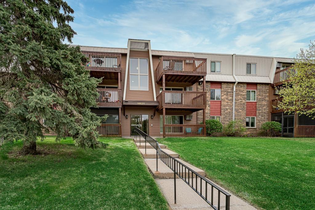 14620 Garrett Avenue, Apple Valley in Dakota County, MN 55124 Home for Sale