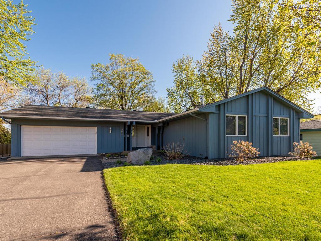 5017 W 110th Street, Bloomington, Minnesota