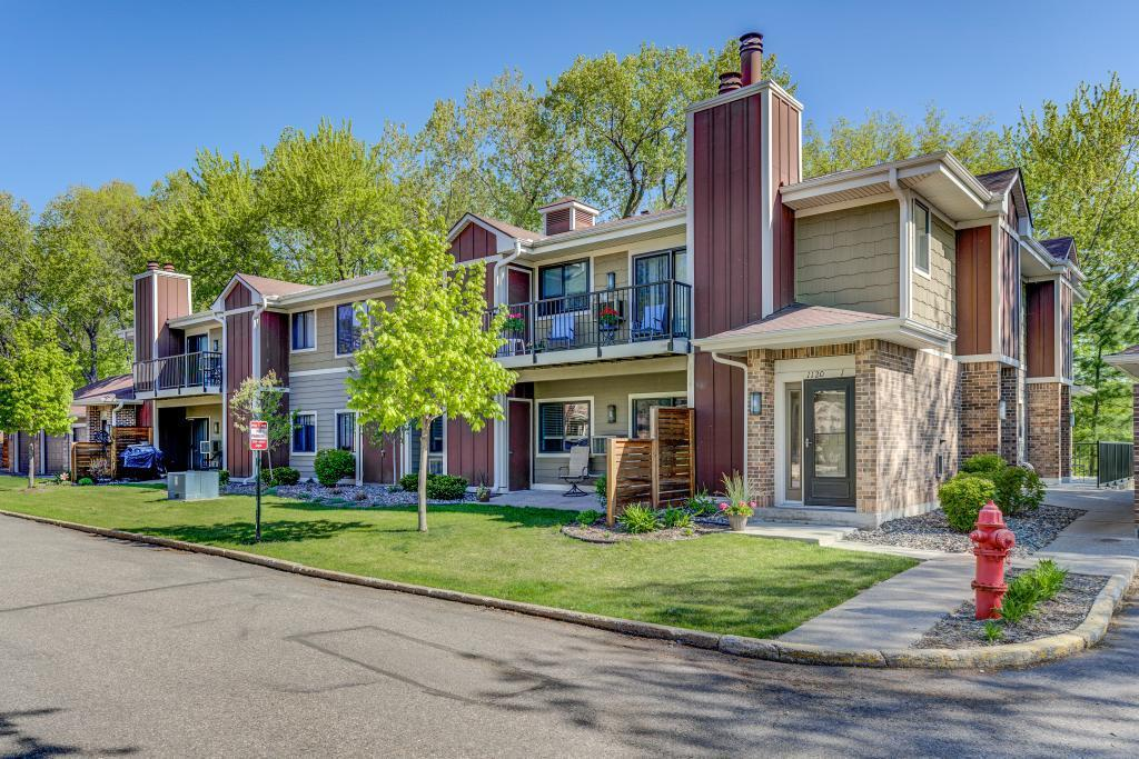 1120 Woodlake Lane, Richfield, Minnesota