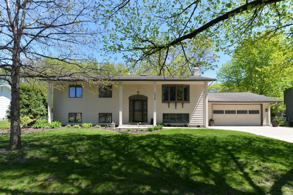 3428 Milton Street N, Shoreview, Minnesota