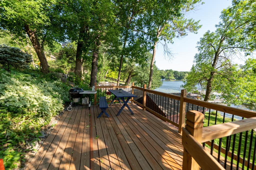 510 Pleasant View Road, one of homes for sale in Chanhassen