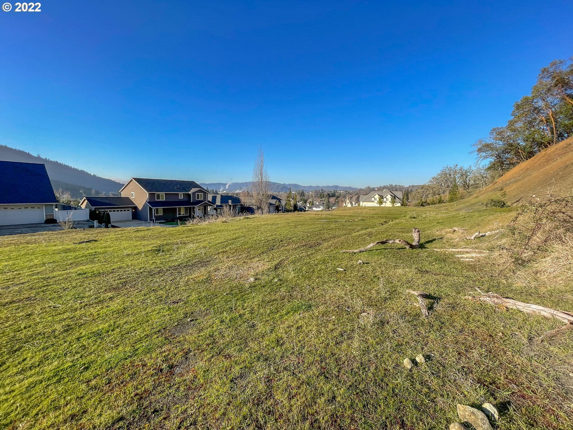 775 NORTH VIEW DR 54 Winchester, OR 97495