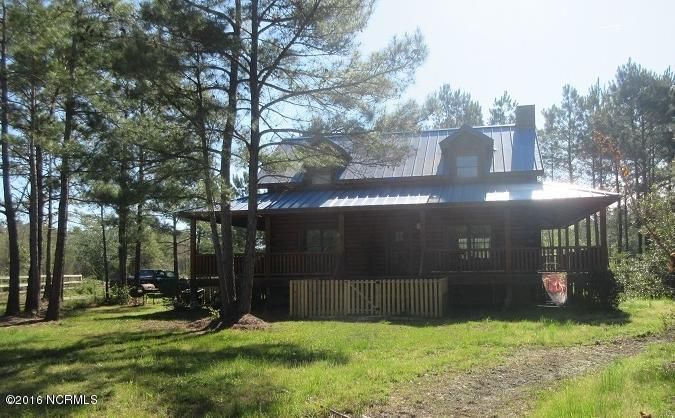 3596 Point Caswell Rd, Atkinson, NC 28421