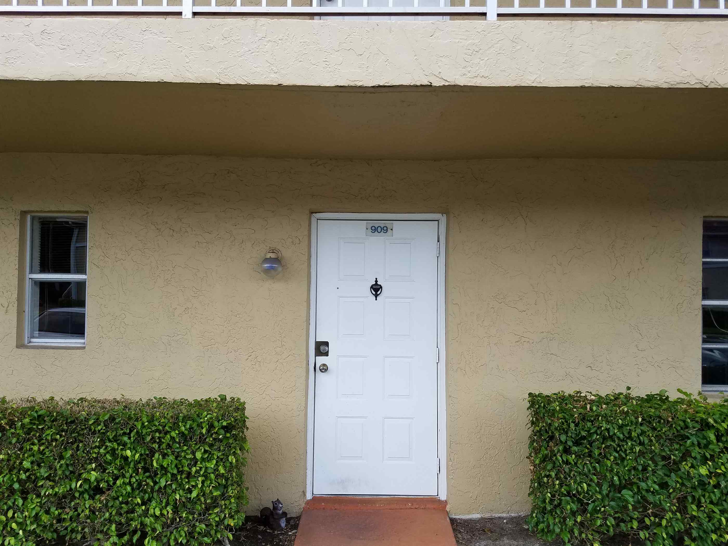 Photo of 909 Twin Lakes Dr Unit F-3  Coral Springs  FL
