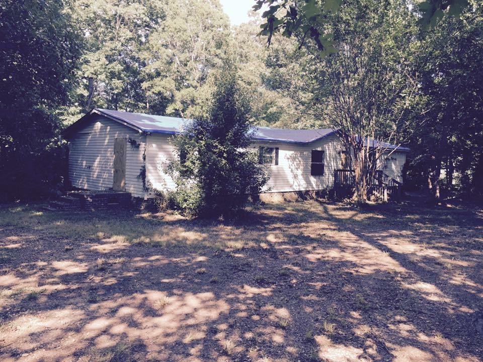 2 Deer Forest Ln, Pelzer, SC 29669