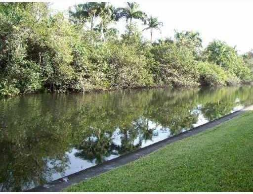 Photo of 102 Royal Park Dr  4D  Oakland Park  FL