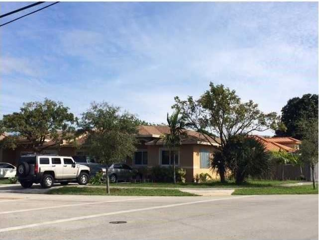 Photo of 15611 NW 45th Ave  Miami Gardens  FL
