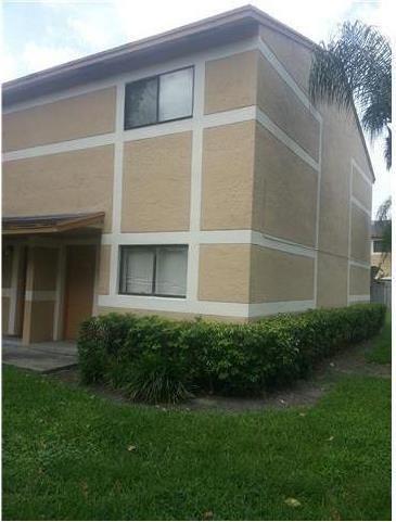 Photo of 9453 N Palm Cir  Pembroke Pines  FL