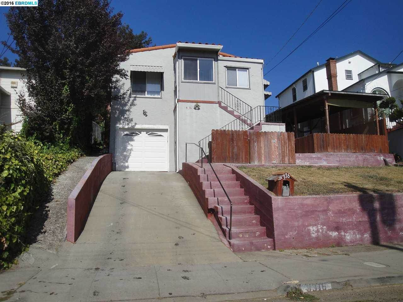 Photo of 9316 Lawlor St  Oakland  CA