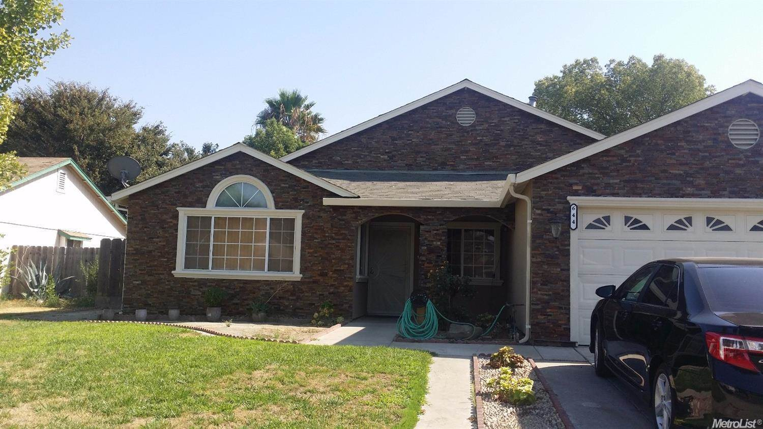 Photo of 644 Elmwood Way  Livingston  CA