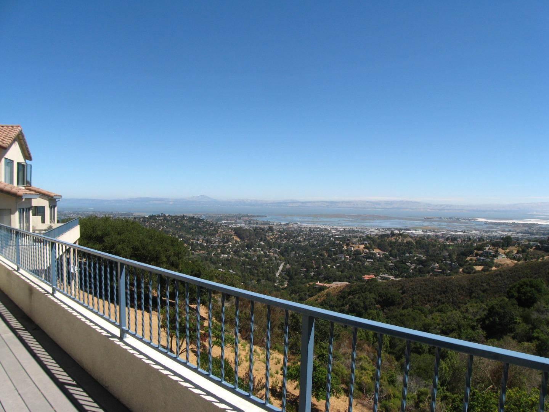 Photo of 2 Clover Ln  San Carlos  CA