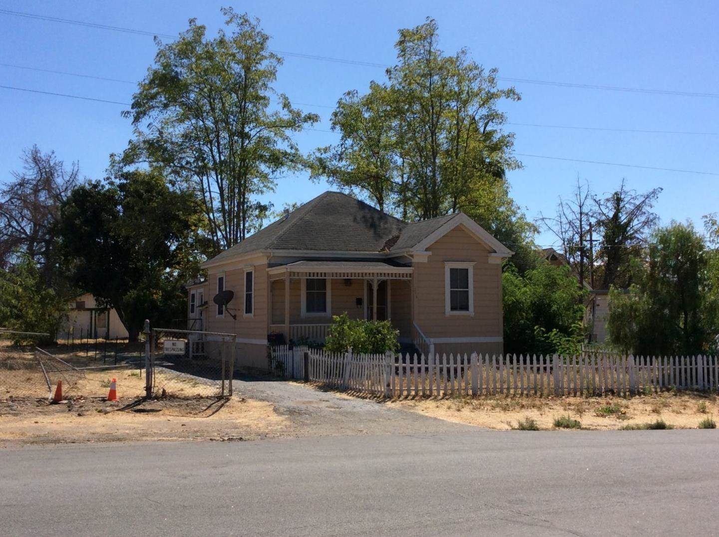 Photo of 246 Grove Ave  Fremont  CA