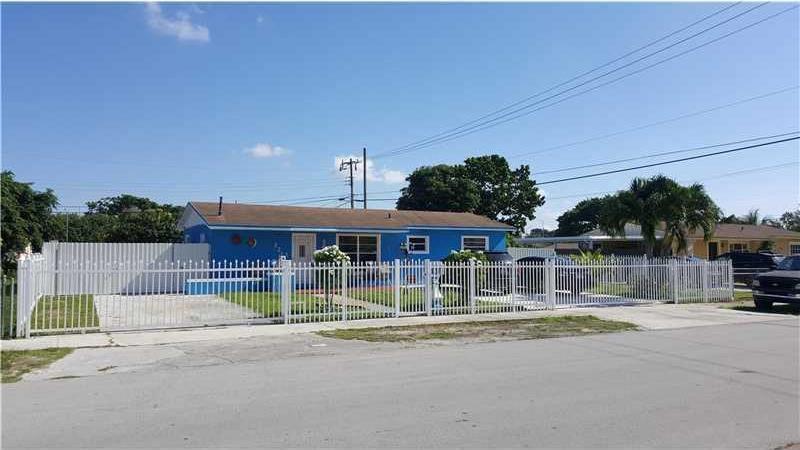 Photo of 3213 NW 181st St  Miami Gardens  FL