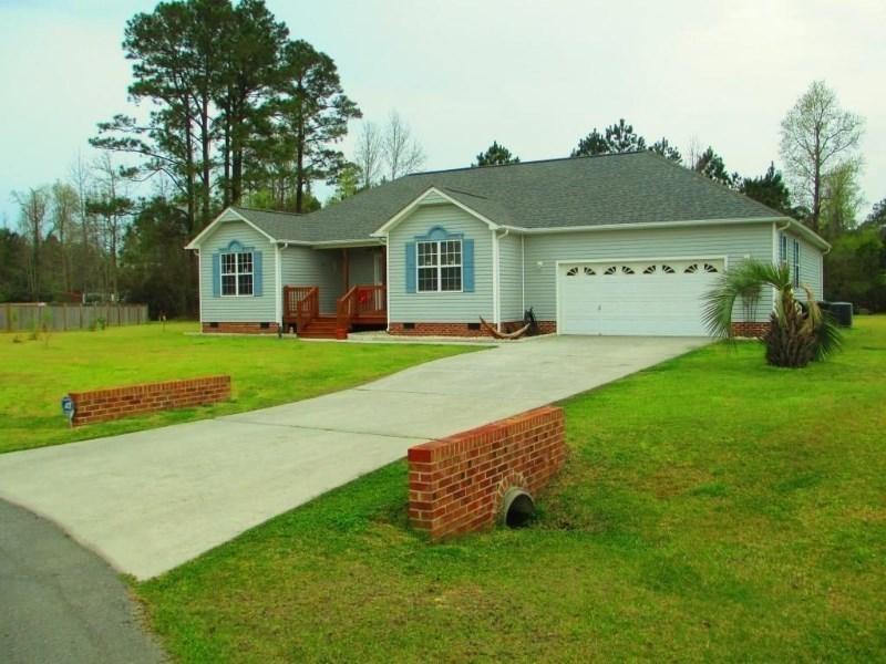 Photo of 302 Robert Scott Circle  Swansboro  NC