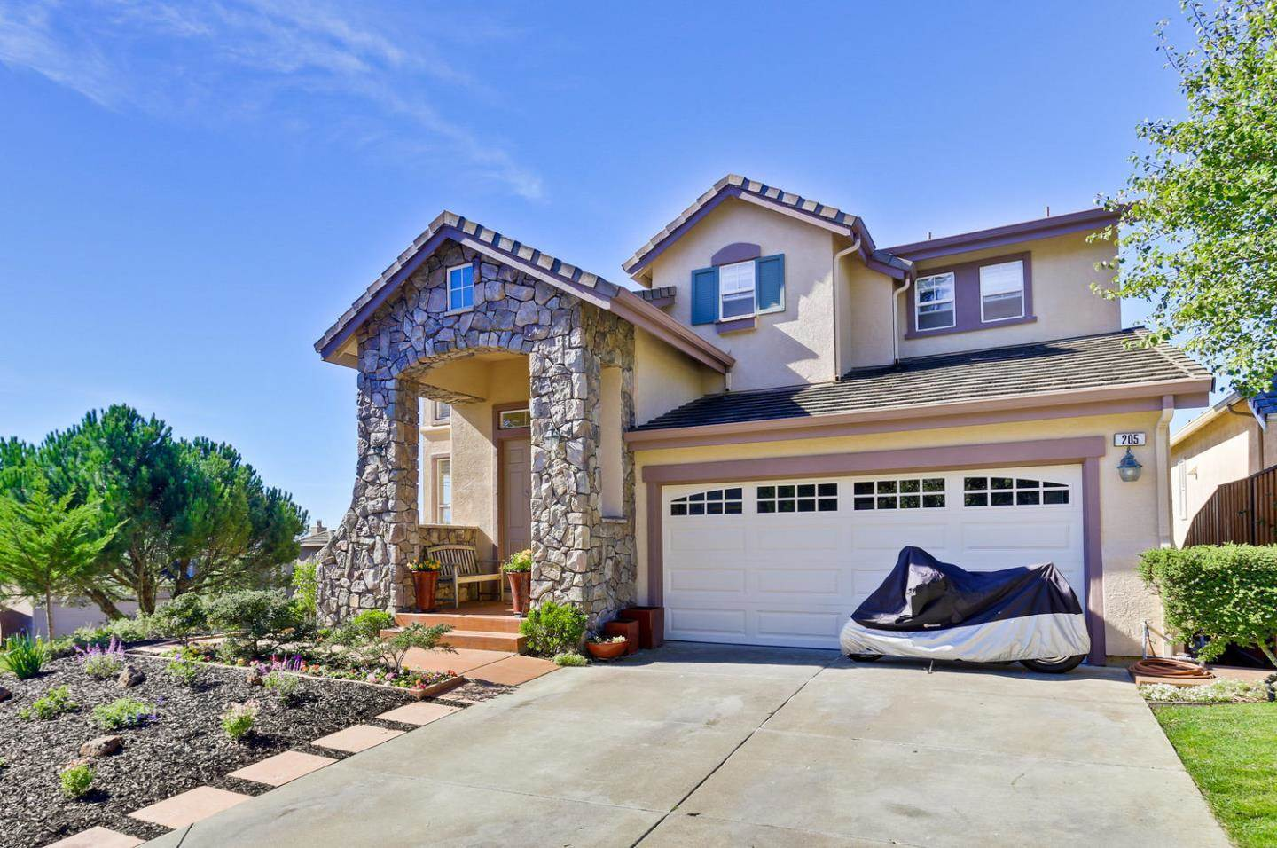 Photo of 205 Sunset CT  Pacifica  CA