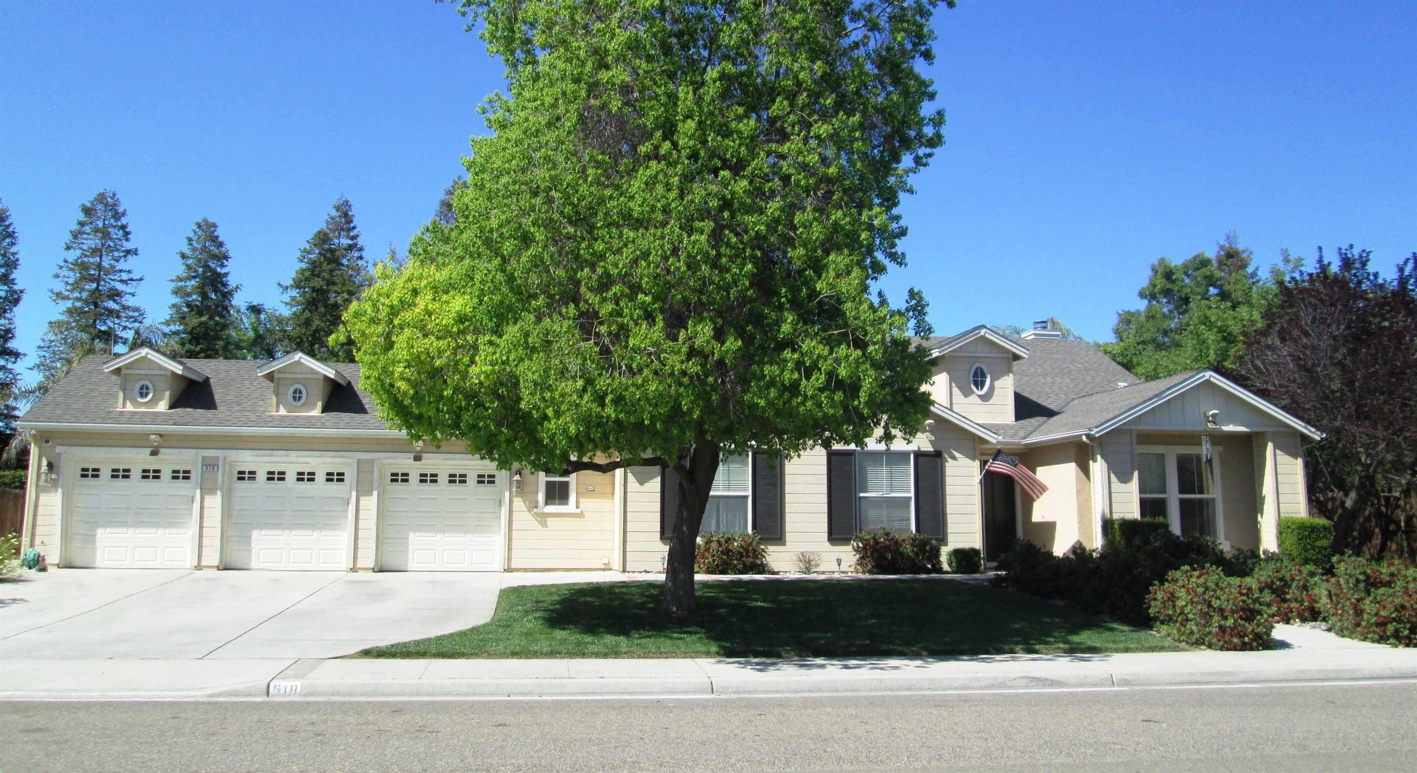 Photo of 518 Millbrook St  Hanford  CA