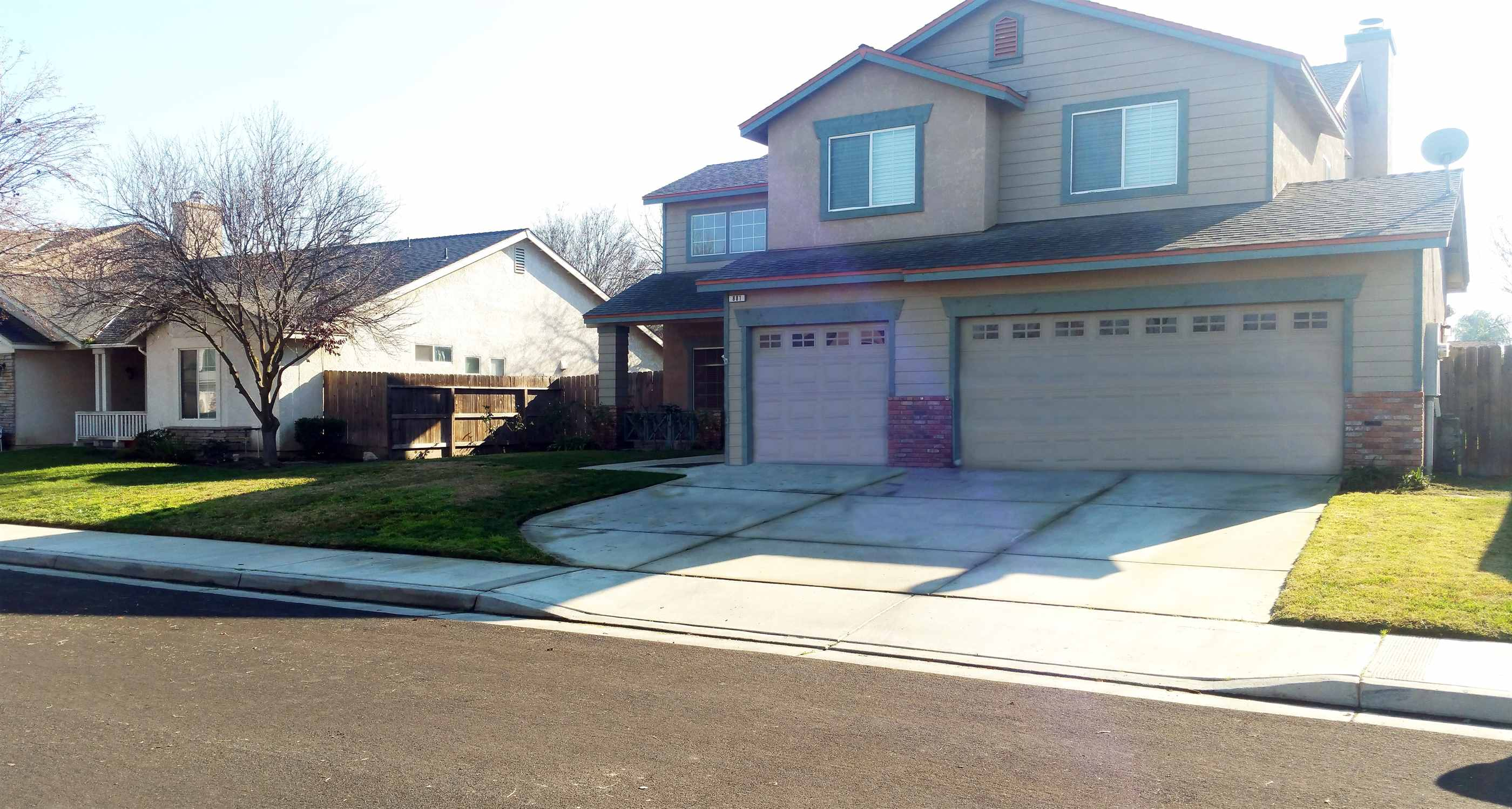 Photo of 881 W Imperial Way  Hanford  CA