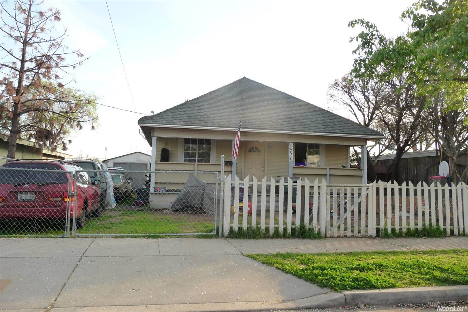 Photo of 1710 Frienza Avenue  Sacramento  CA