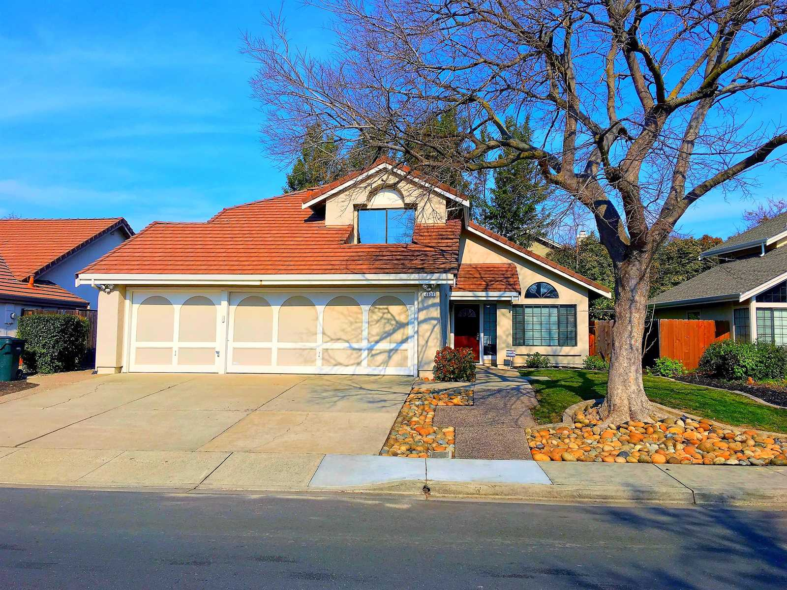 Photo of 4921 Country Hills Dr  Antioch  CA