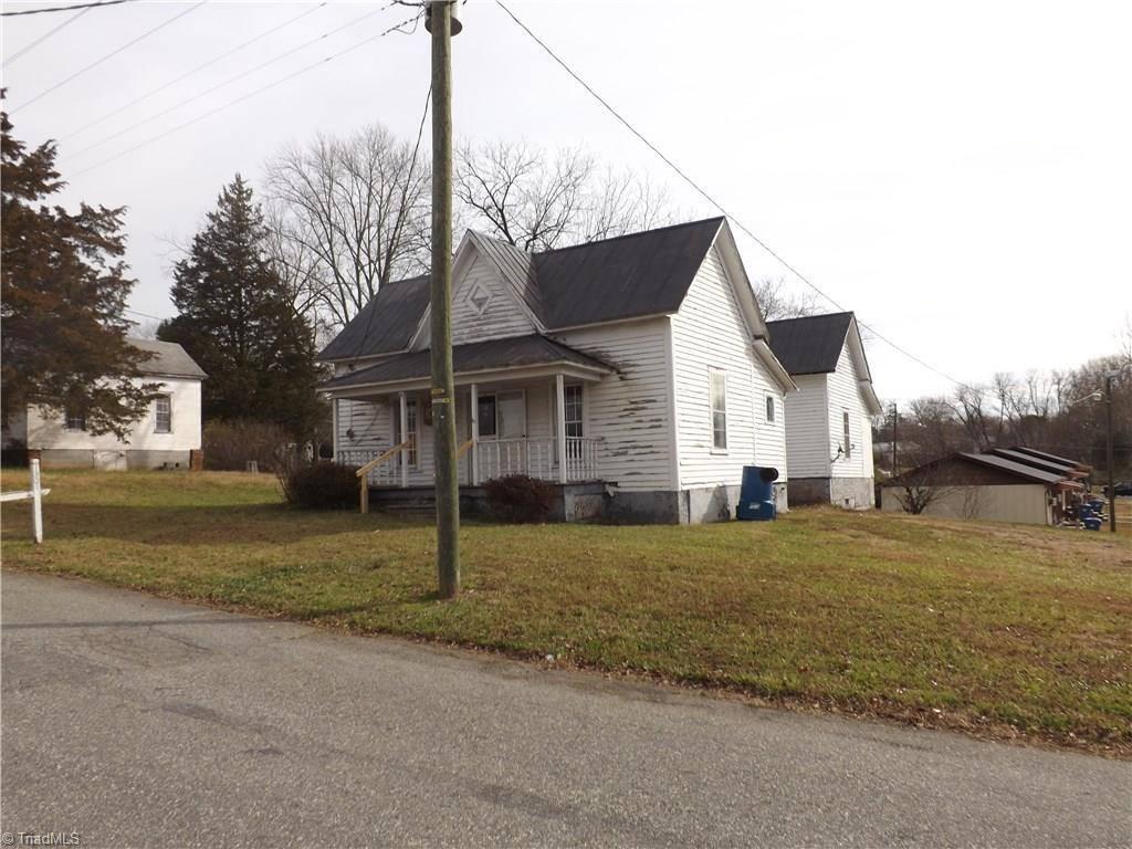 Photo of 1301 West Ridge Street  Ramseur  NC
