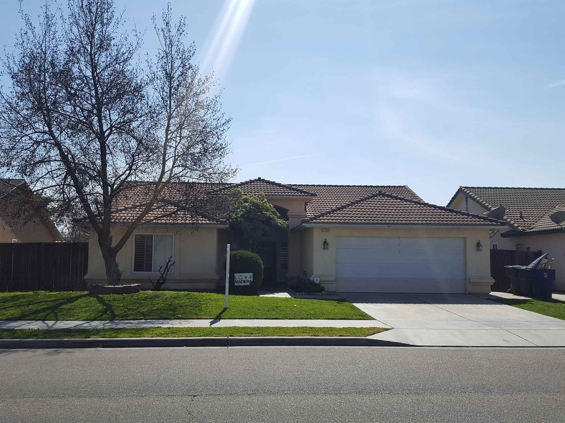 Photo of 2148 Riverview Drive  Madera  CA