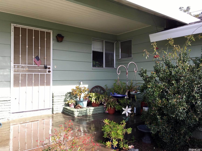 Photo of 1209 Monte Vista Way  Sacramento  CA