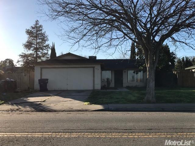 Photo of 652 Walnut Avenue  Patterson  CA