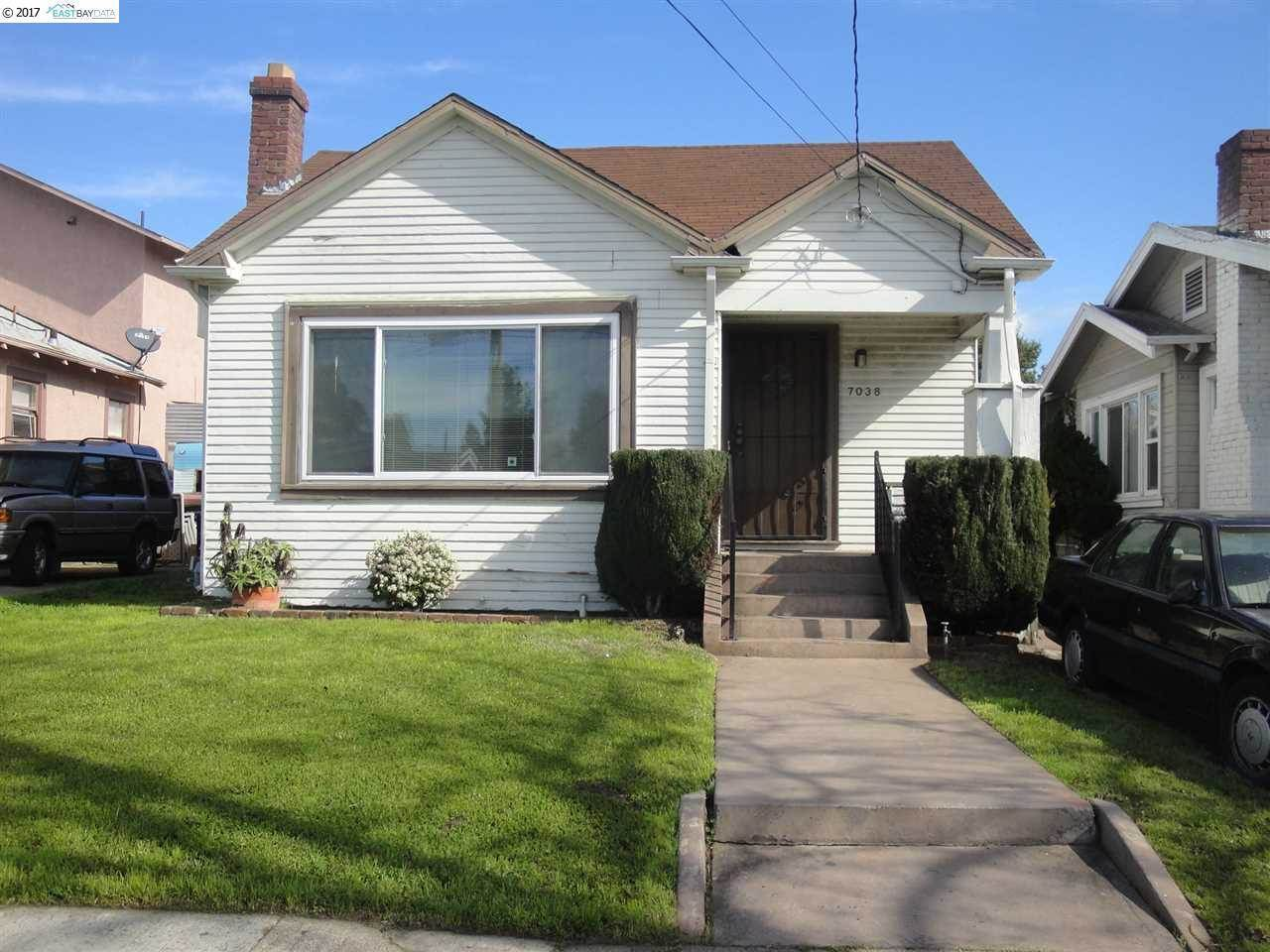 Photo of 7038 Arthur St  Oakland  CA