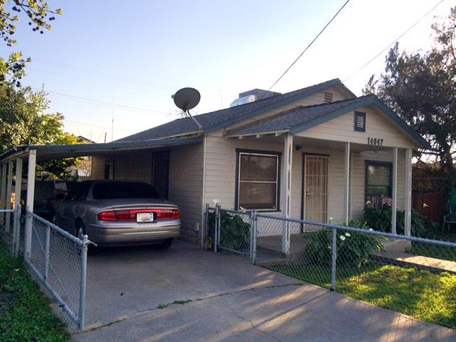 Photo of 14047 Walnut St  Armona  CA