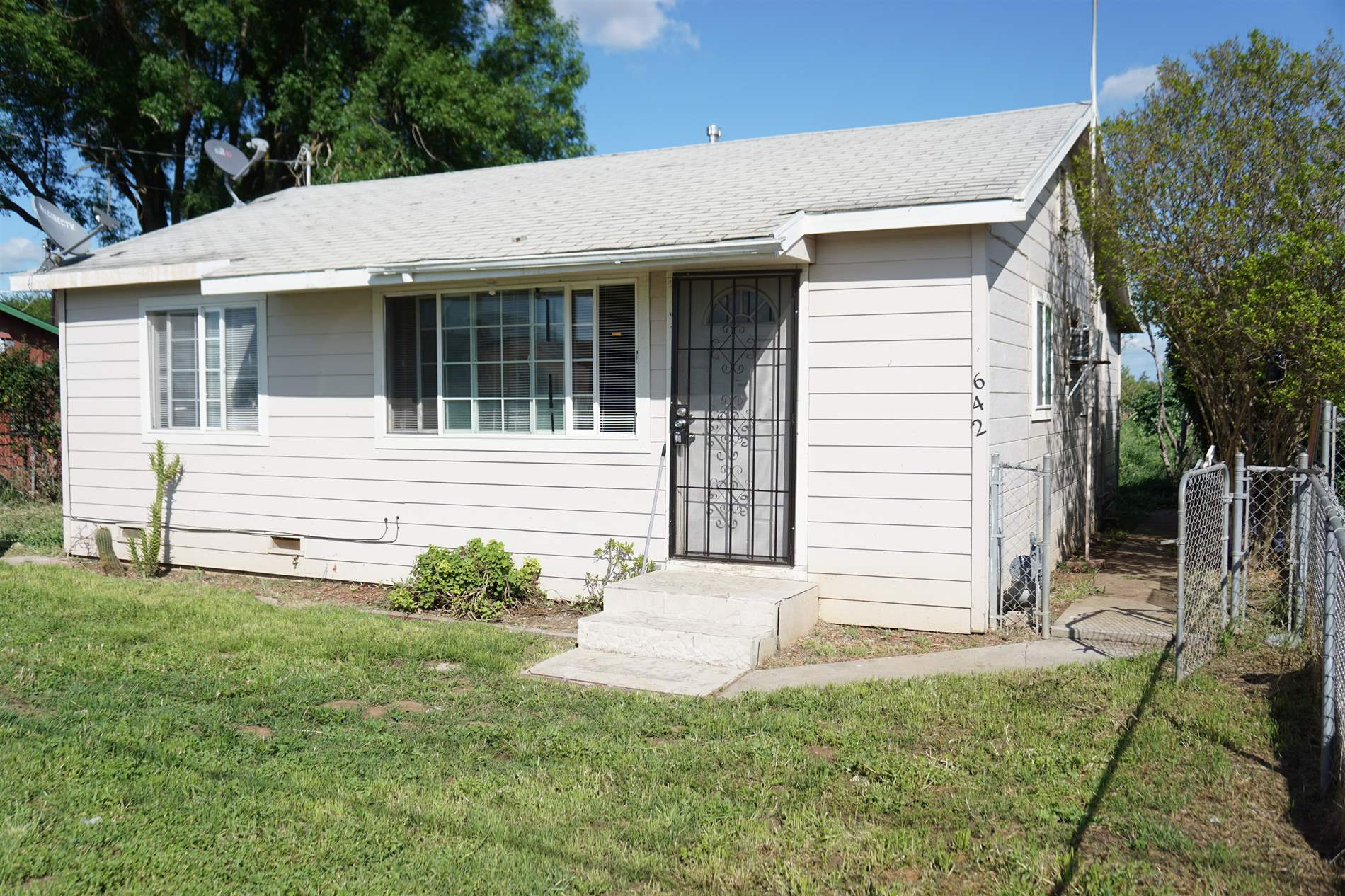 642 Moomjean Ave, Merced, CA 95340
