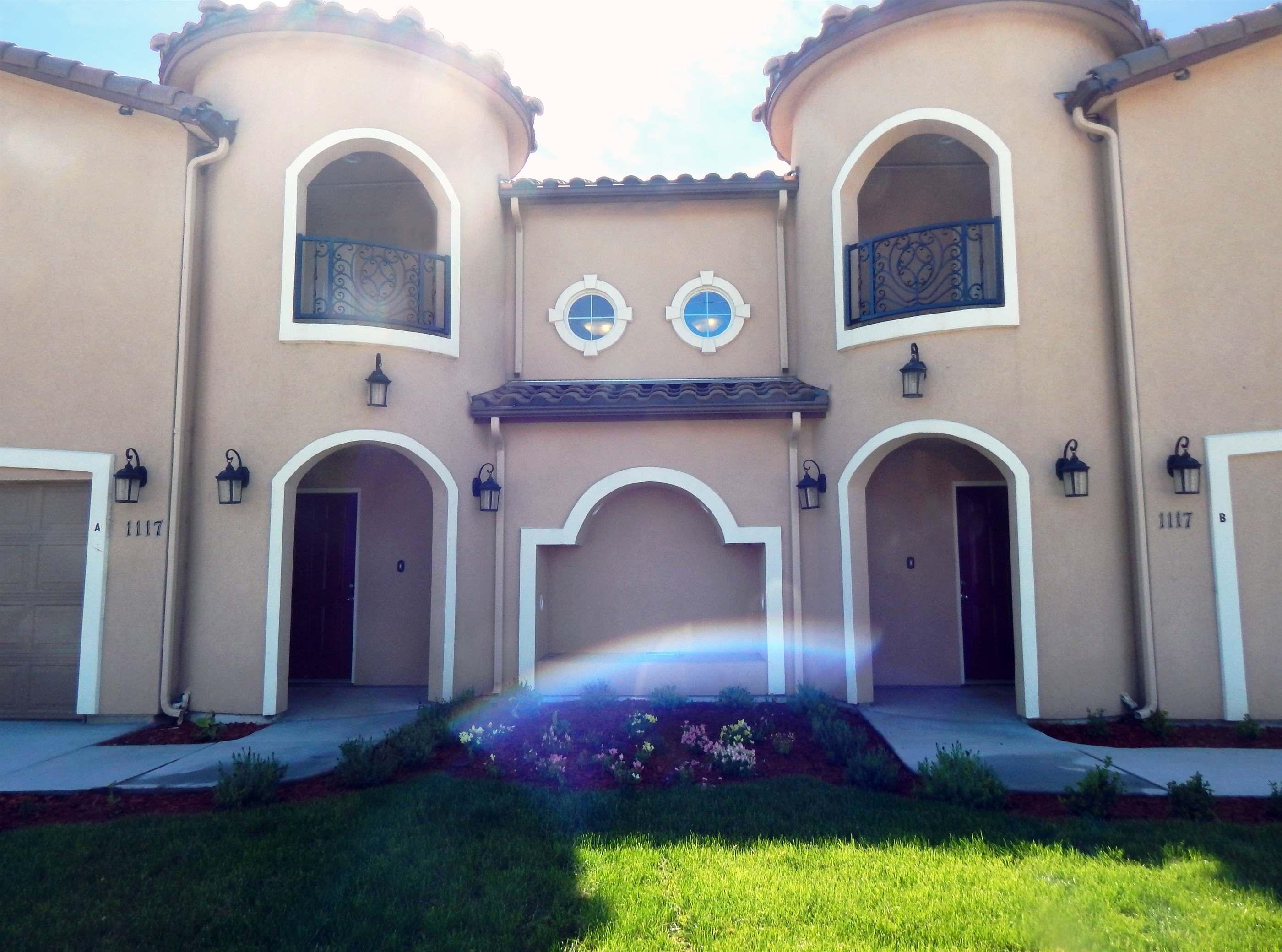 Photo of 1117 W 7th St B  Hanford  CA