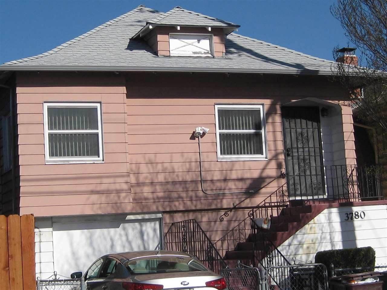 Photo of 3780 Webster St  Oakland  CA