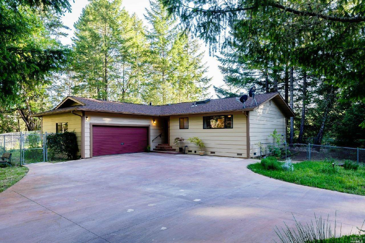 Photo of 1413 Archer Place  Willits  CA