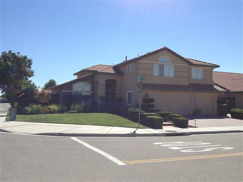 Photo of 556 Whitney Ct  Tracy  CA