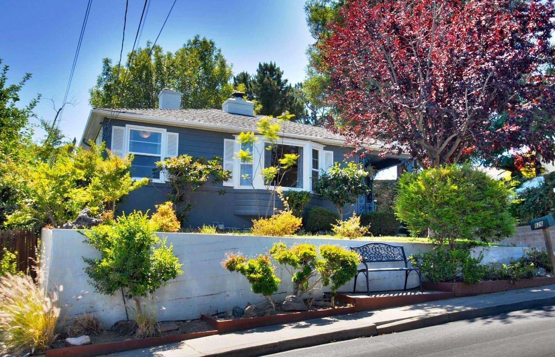 Photo of 826 Alameda De Las Pulgas  Belmont  CA