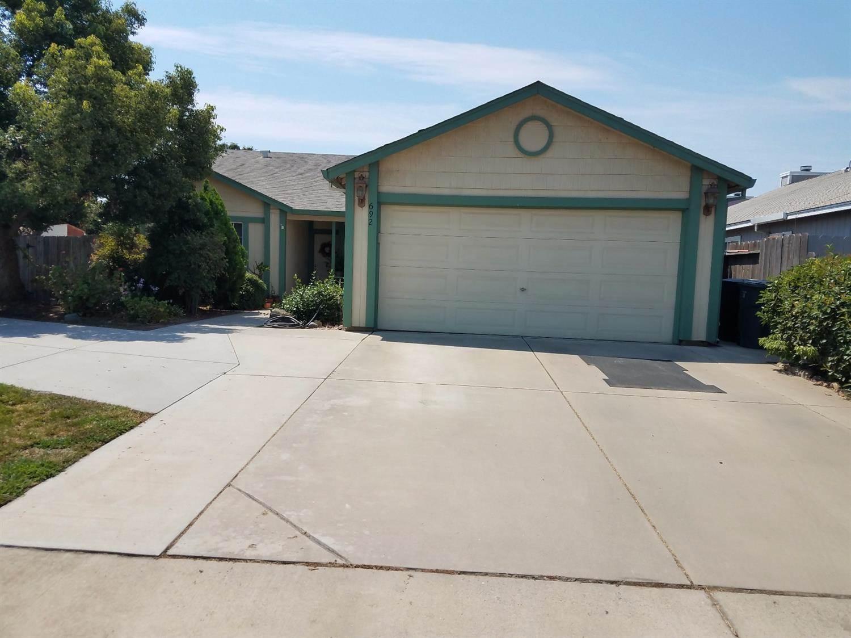 Photo of 692 Oakwood Way  Livingston  CA