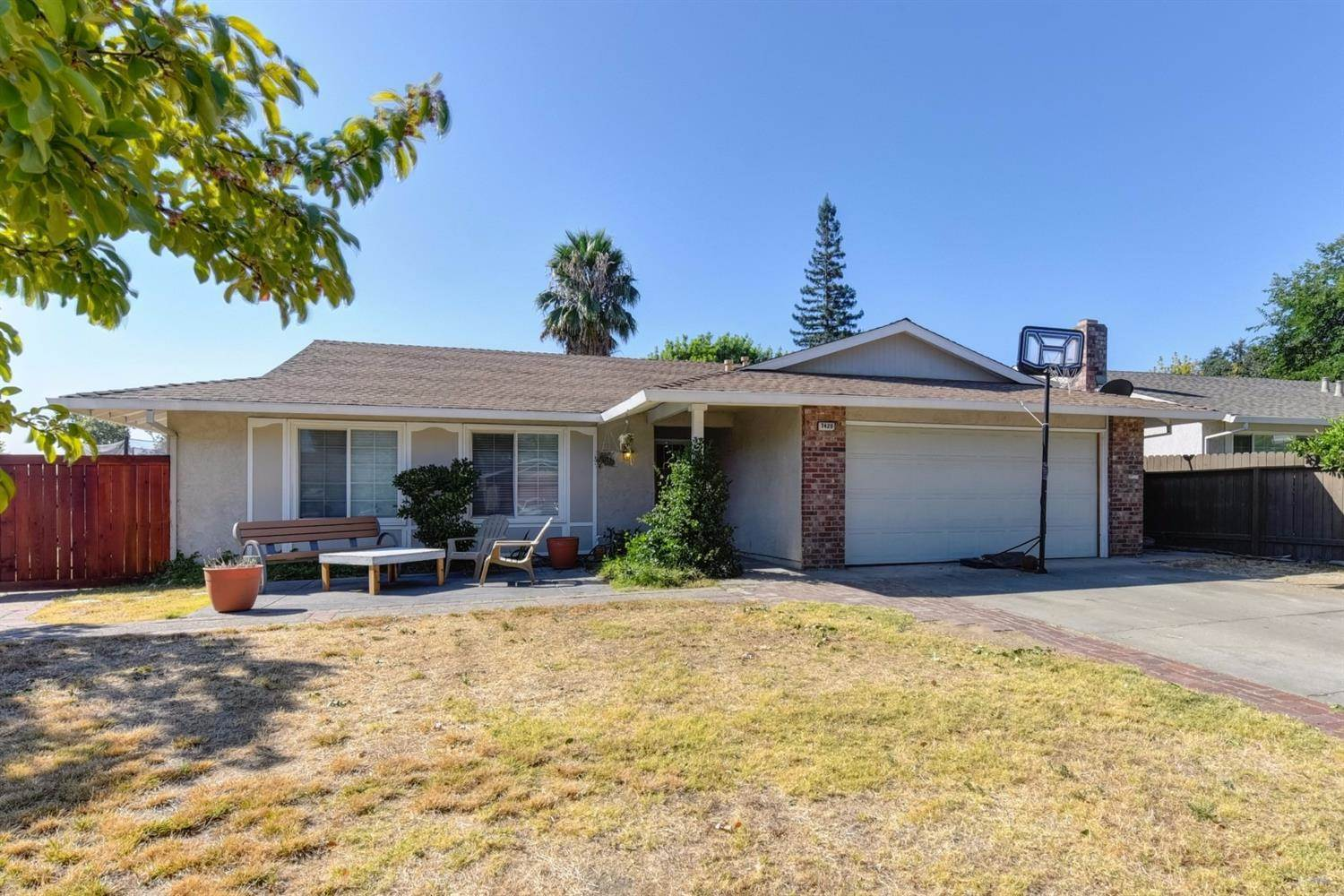 Photo of 7420 Parkvale Way  Citrus Heights  CA