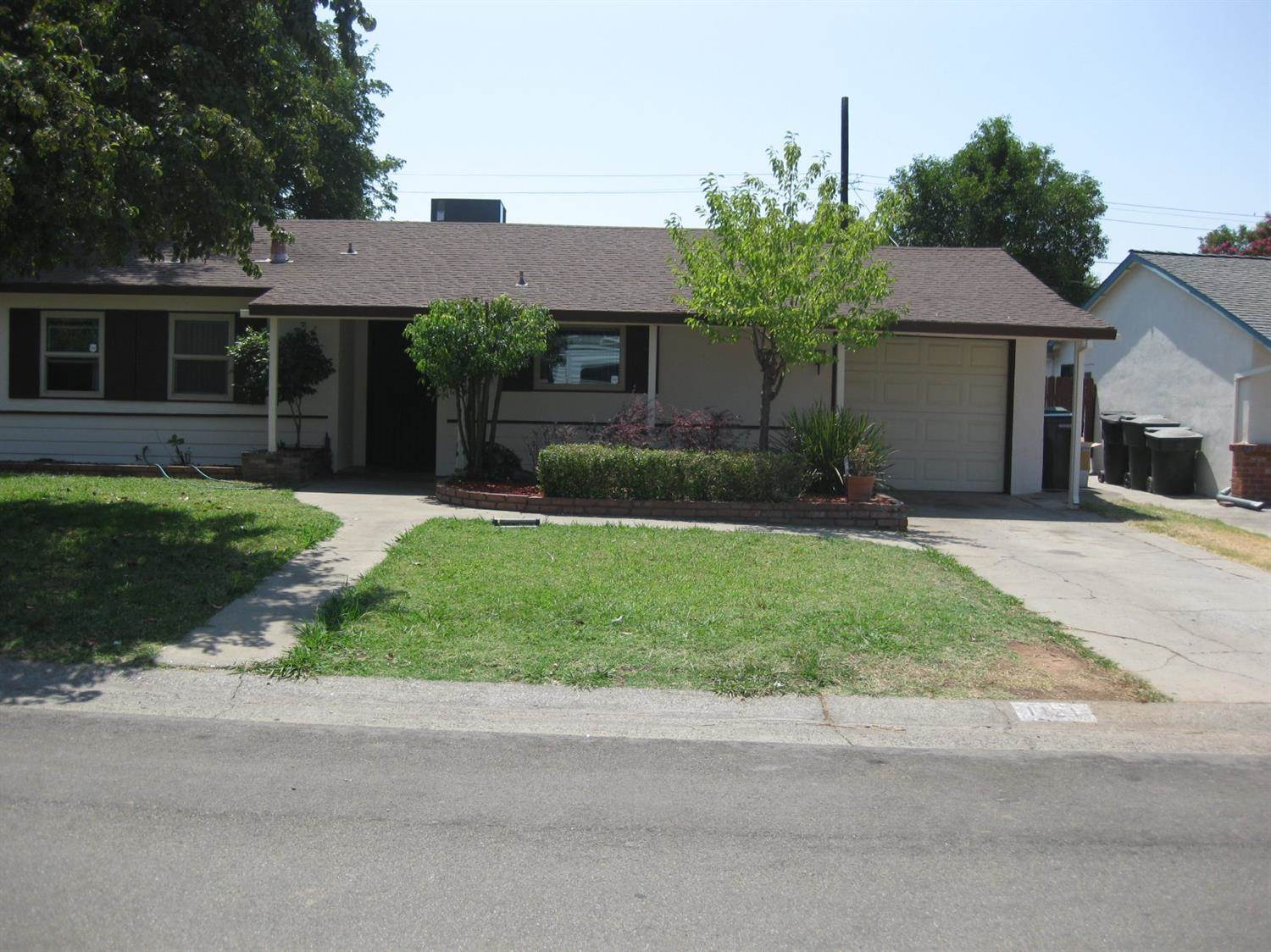 Photo of 1121 Singingwood Road  Sacramento  CA