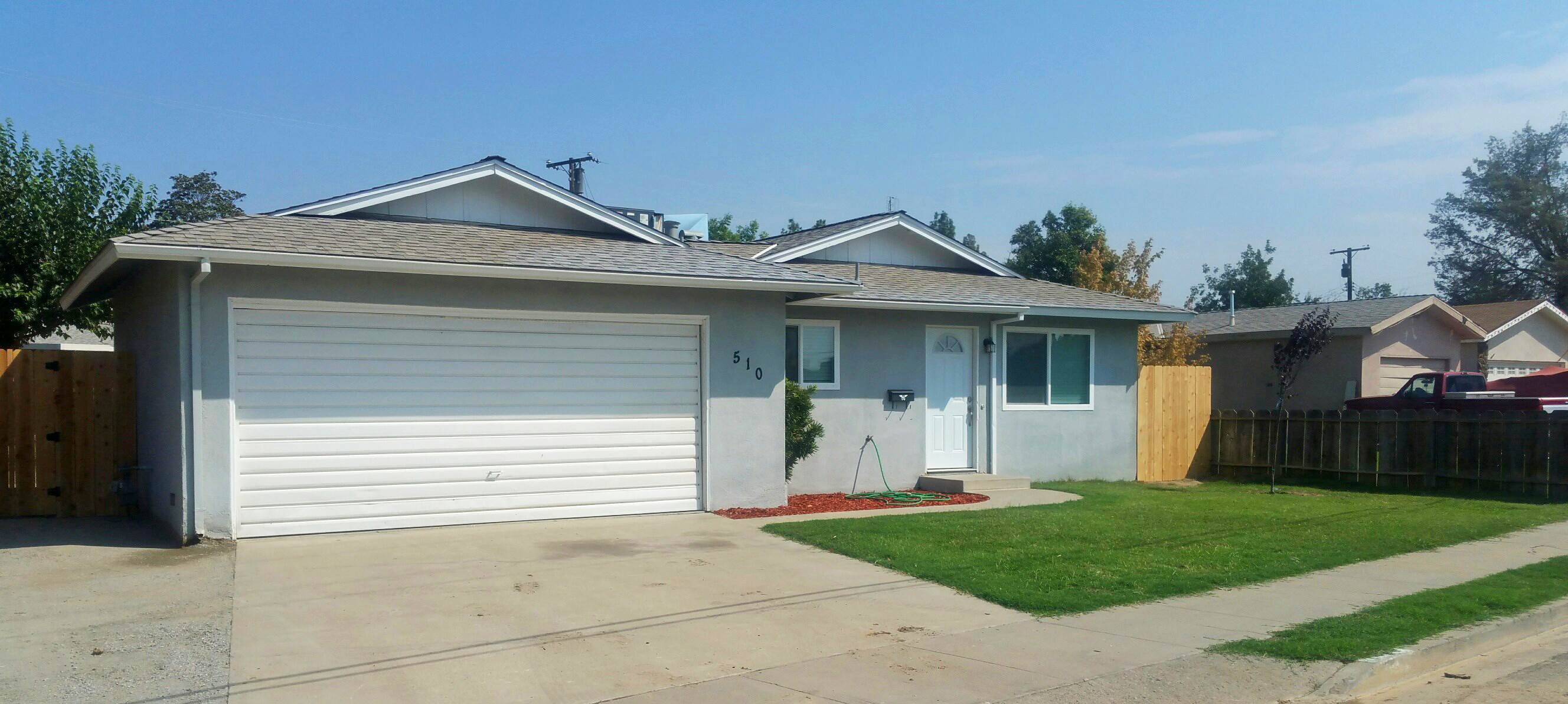Photo of 510 E Terrace Dr  Hanford  CA