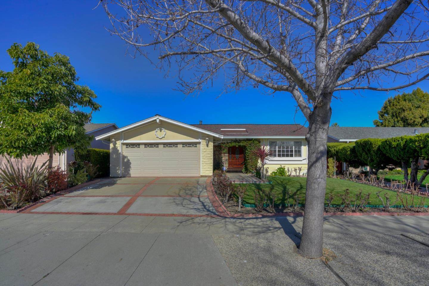 331 Grandpark CIR, one of homes for sale in Blossom Valley