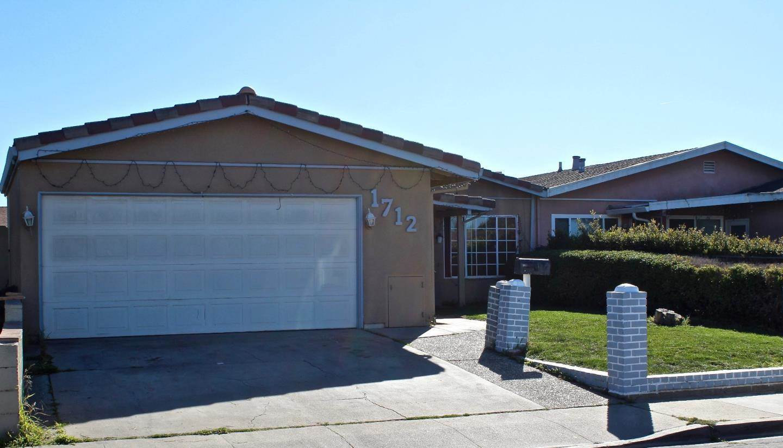 1712 Los Coches CIR Salinas, CA 93906