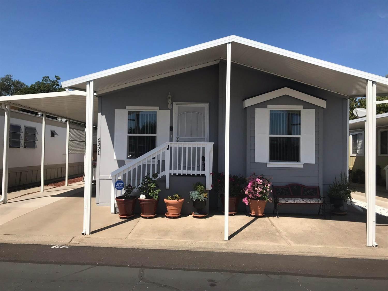 6221 North Manitoba Avenue, North Sacramento, California