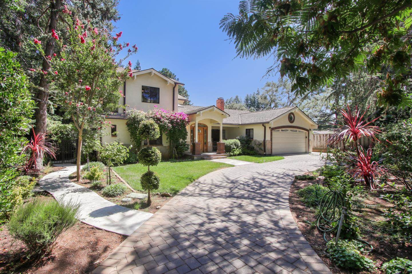 189 Osage AVE, Los Altos Hills, California 5 Bedroom as one of Homes & Land Real Estate