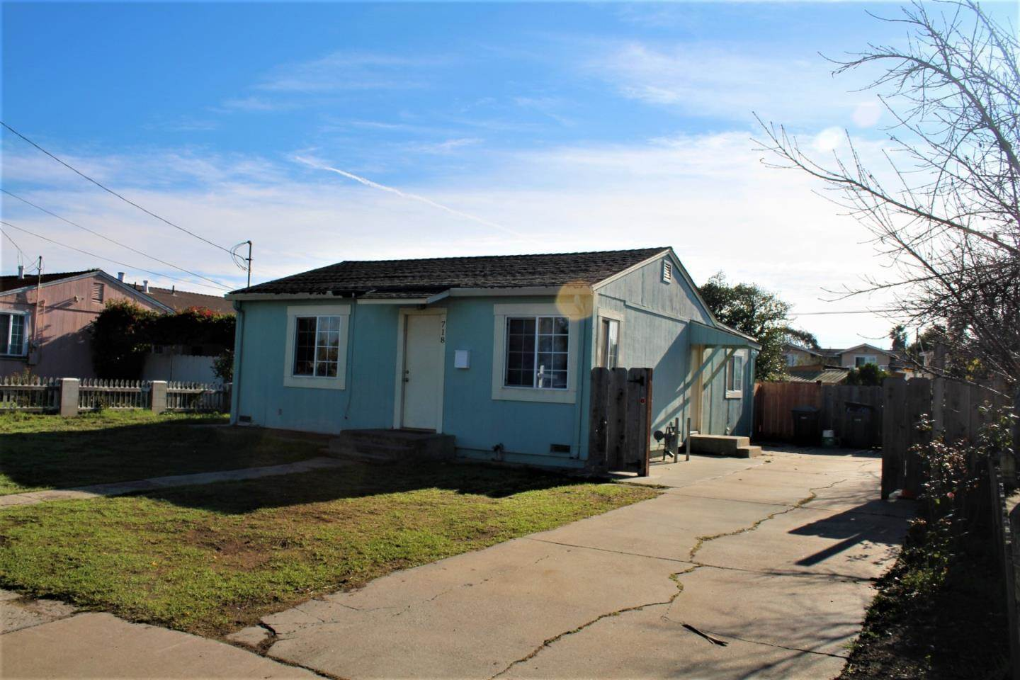 718 Towt ST, Salinas in  County, CA 93905 Home for Sale